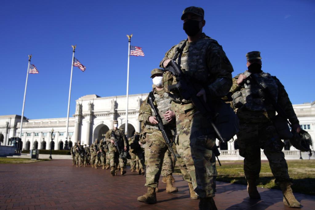 Amerikanci privremeno šalju  vojsku u Afganistan kako bi evakuisali zaposlene u ambasadi